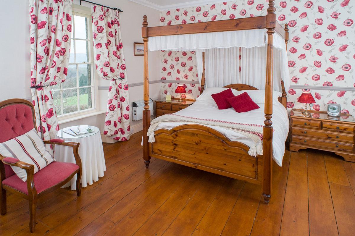 Beera-Farm-Bedroom-One_1