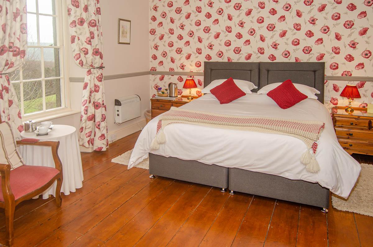 Beera-Farm-Bedroom1-double